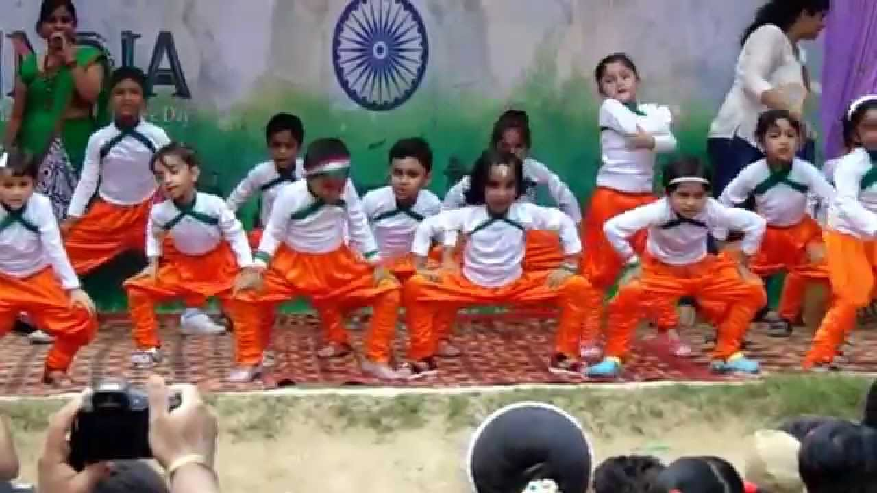 बच्चों की Independence Day Celebrations india की तयारी स्कूल function
