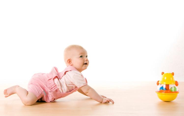 घुटनों के बल चलने से शिशु को स्वास्थ्य लाभ