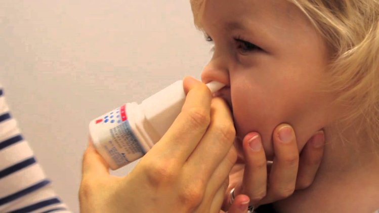 Application of Nasal Spray or Saline Drops in children