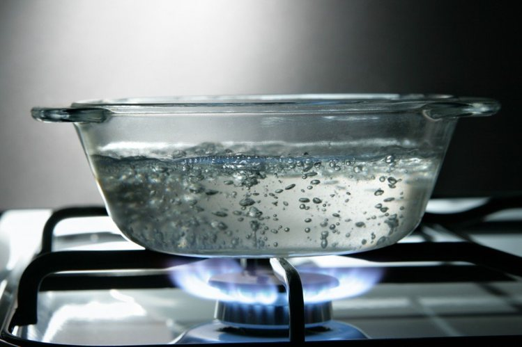 Do-you-have-to-boil-water-for-baby-formula