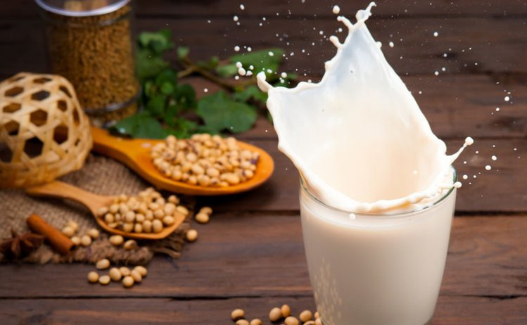 How-to-switch-from-cows-milk-based-formula-to-a-soy-based-formula