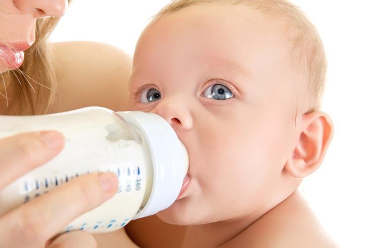Disadvantage-of-Using-Feeding-Bottles